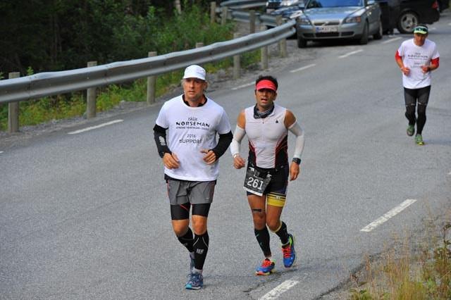 Foto : Mark ile birlikte Zombie Hill'de koşarken şaftım kaymış durumdaydı.